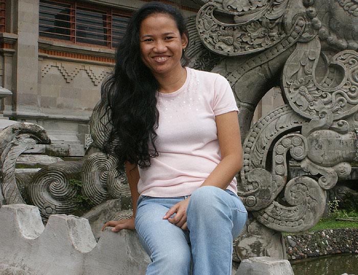 Miss Dewi pic