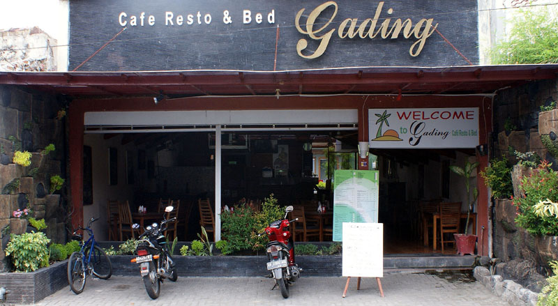 cafe Resto Gading front pic