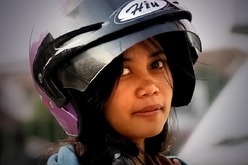 Helm Lady