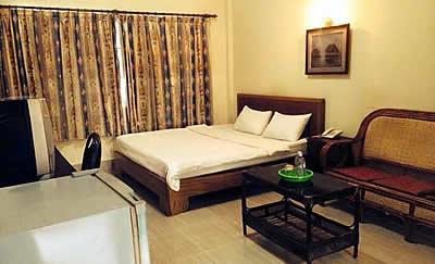HomeTown Suitel hotel room picture