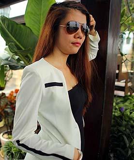 Picture Miss Bui Thi Hong fashion designer