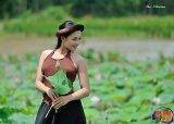 Ao Yem Vietnamese costume